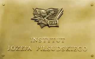 Instytut Józegfa Piłsudskiego w Warszawie - tablica